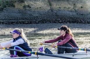 Senior women training on the Tideway