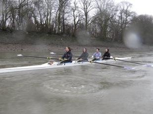 Training in the rain on the Tideway